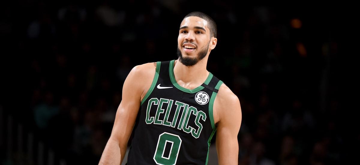 Tatum con la maglia dei Celtics