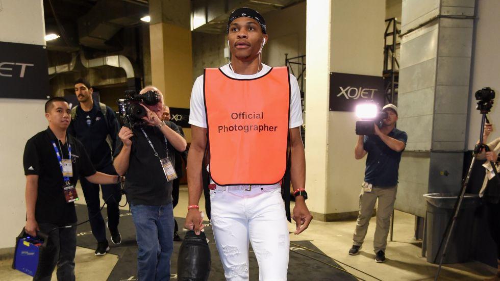 NBA, i giocatori dovranno già prepararsi per la gara nelle stanze