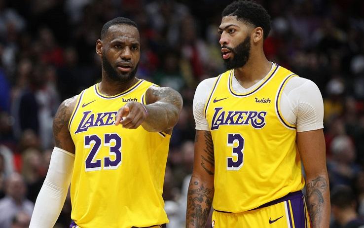 James e Davis in azione coi Lakers