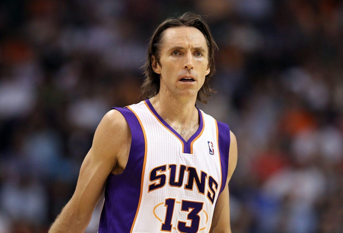 Steve Nash in azione coi Suns