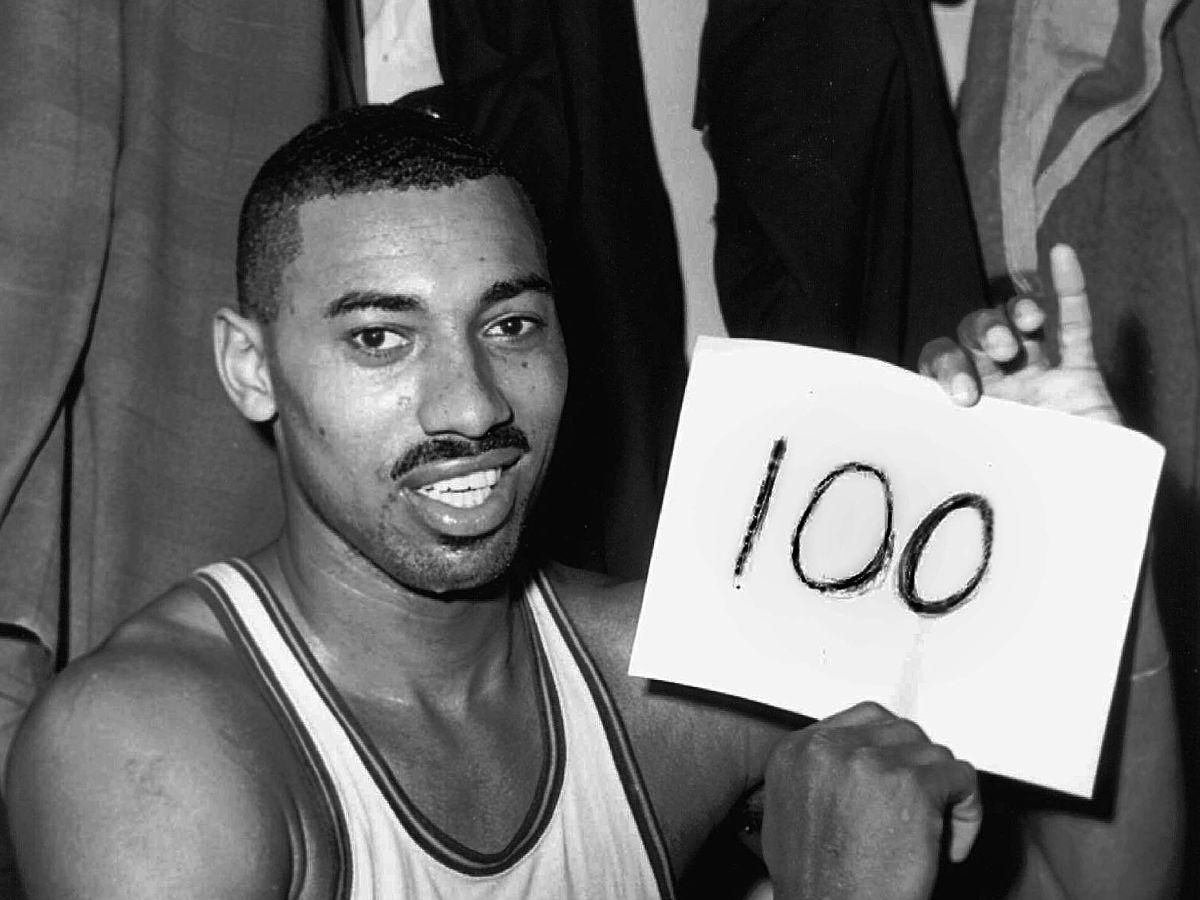 Wilt Chamberlain con il record di punti in una partita nba