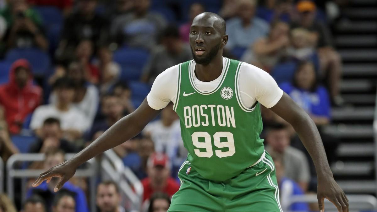 Tacko Fall in azione con i Boston Celtics