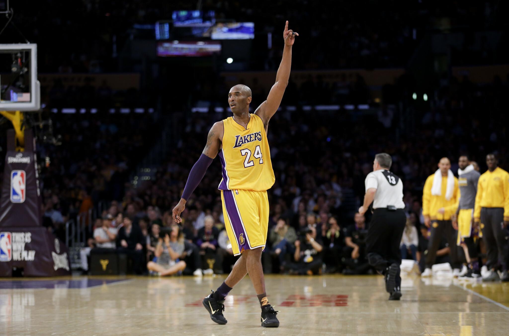 Kobe Bryant in azione coi Lakers