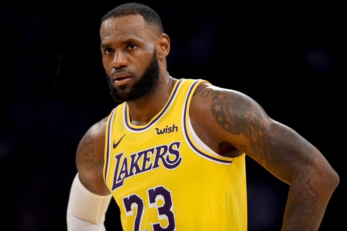 LBJ in maglia Lakers