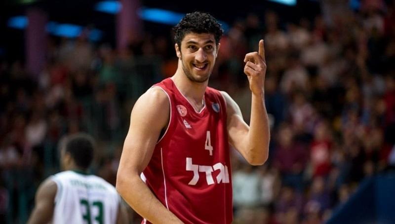 Lior Eliyahu saluta il basket giocato