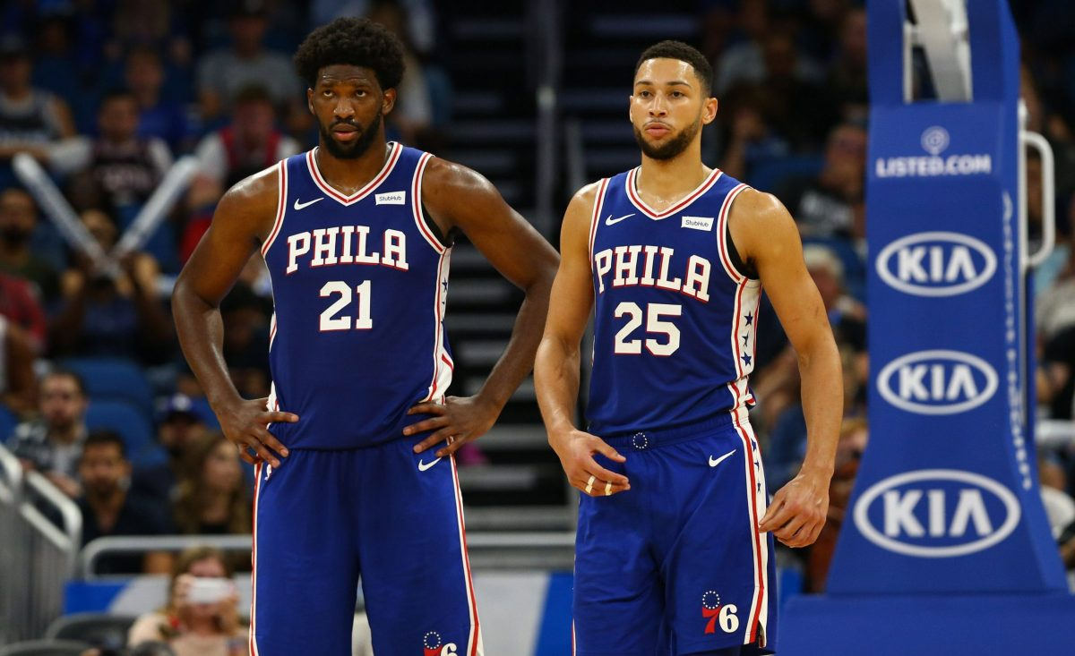 Simmons e Embiid in partita