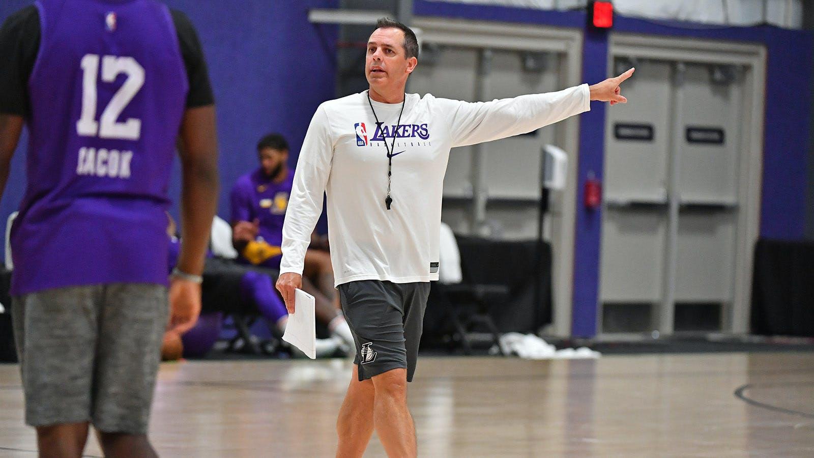 Frank Vogel sprona i suoi Lakers