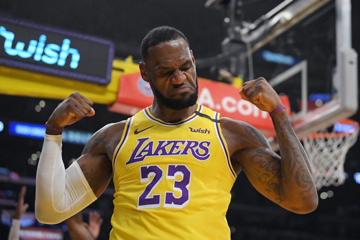 LeBron James in maglia Lakers