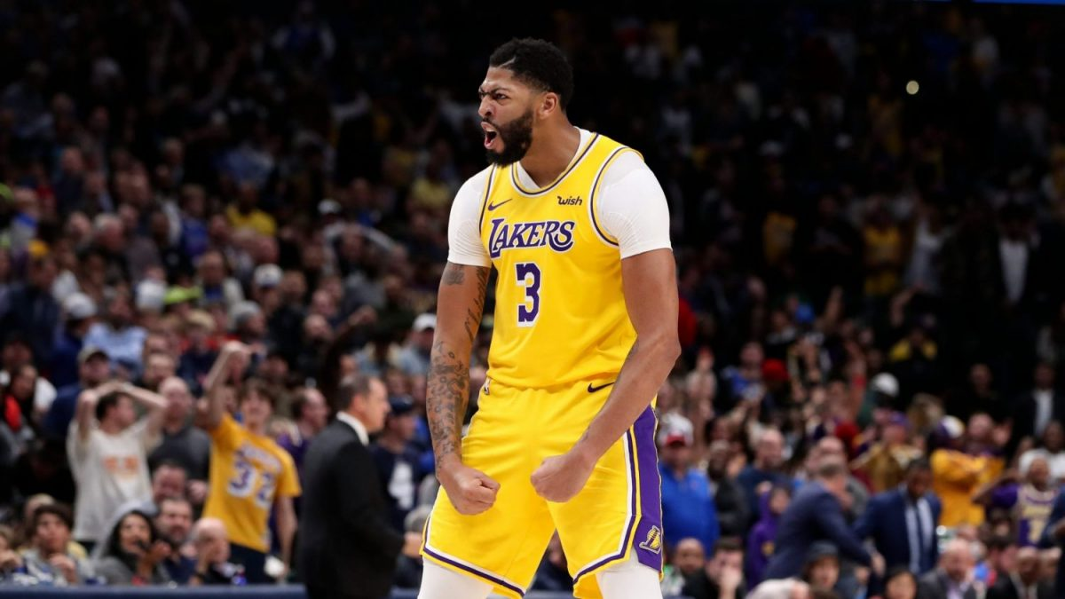 Davis in maglia Lakers