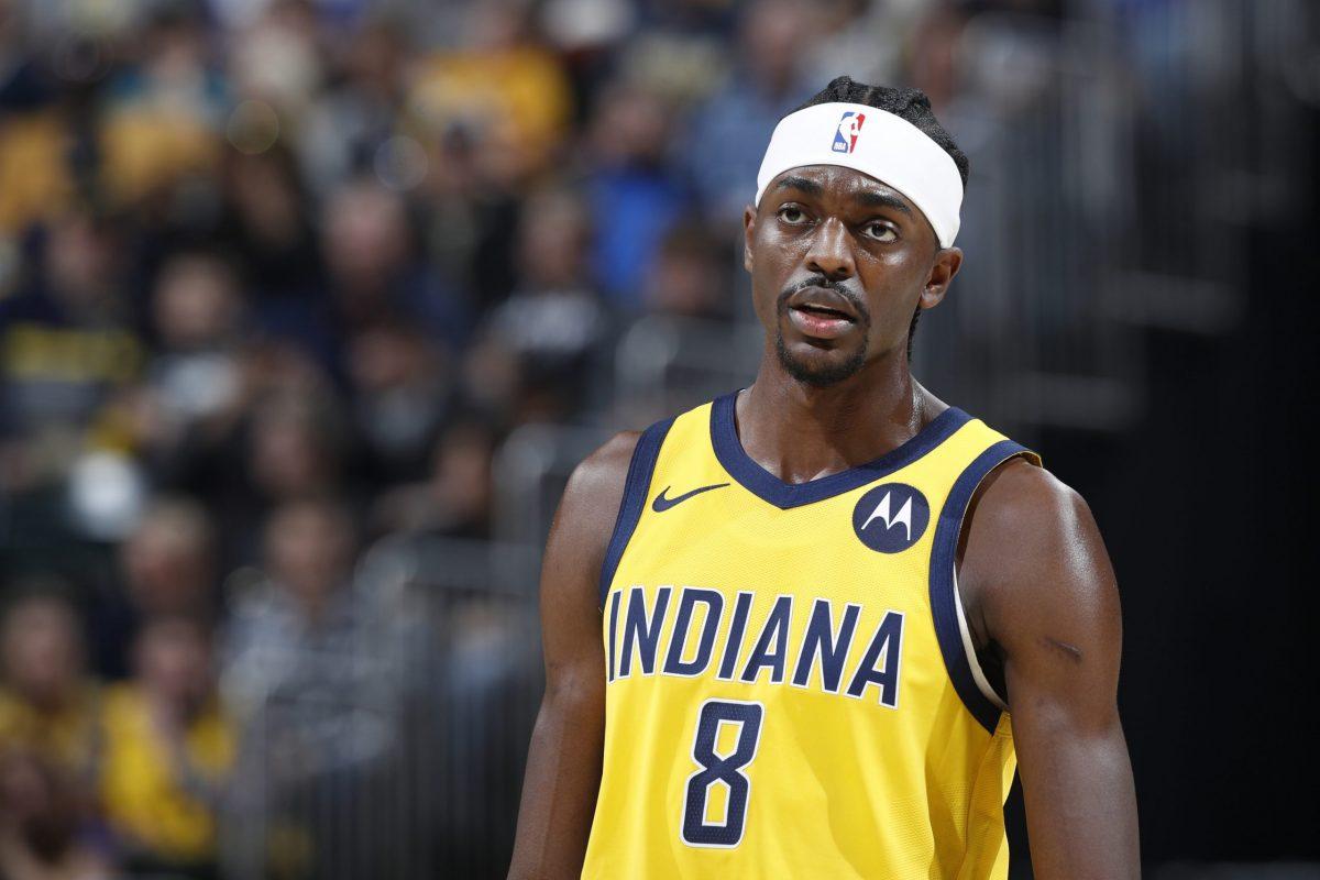 Justin Holiday con la maglia degli Indiana Pacers
