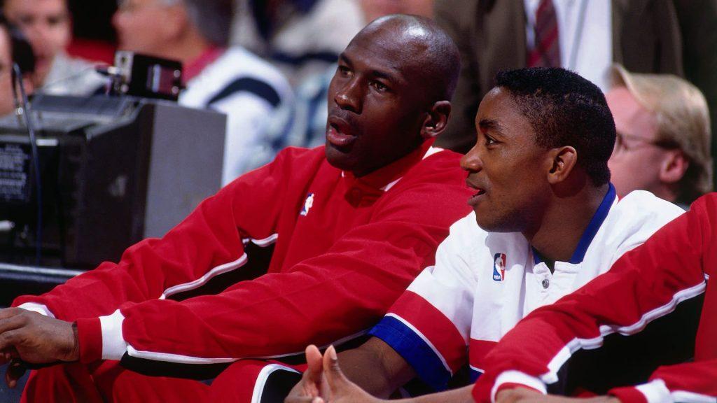 Isiah Thomas e Michael Jordan in panchina