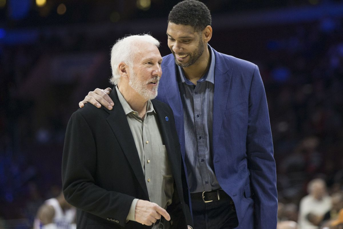 Tim Duncan con coach greg Popovich