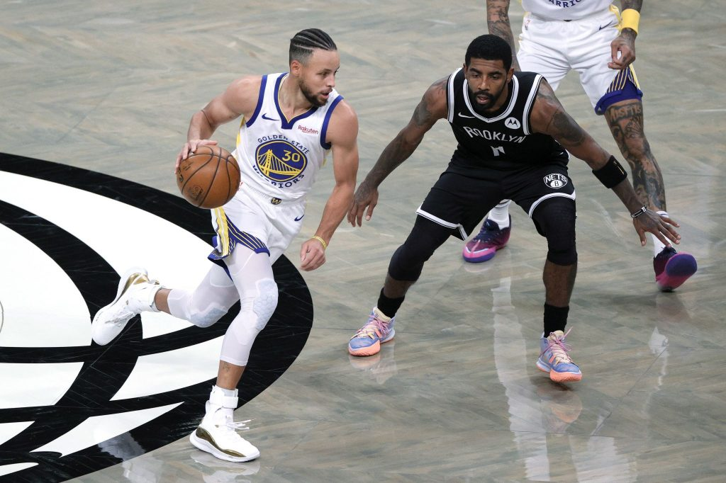 Stephen Curry contro Kyrie Irving