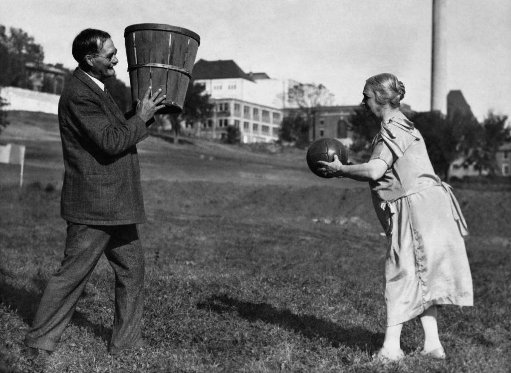James Naismith inventore basket