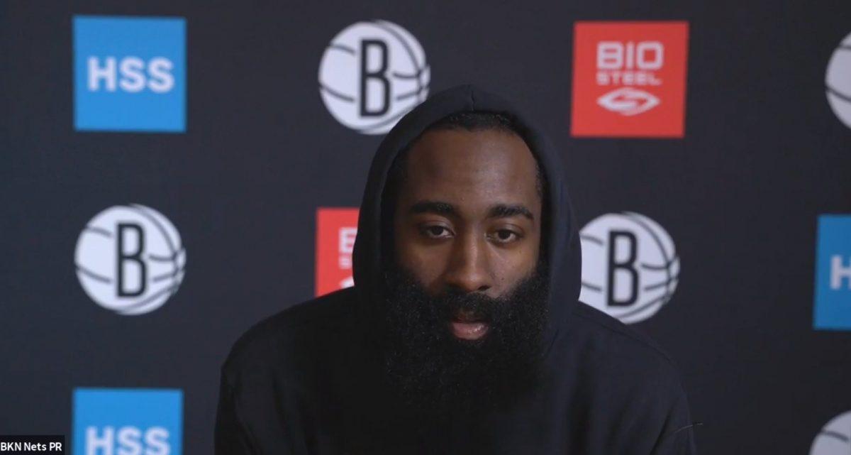 James Harden alla conferenza stampa dei Brooklyn Nets