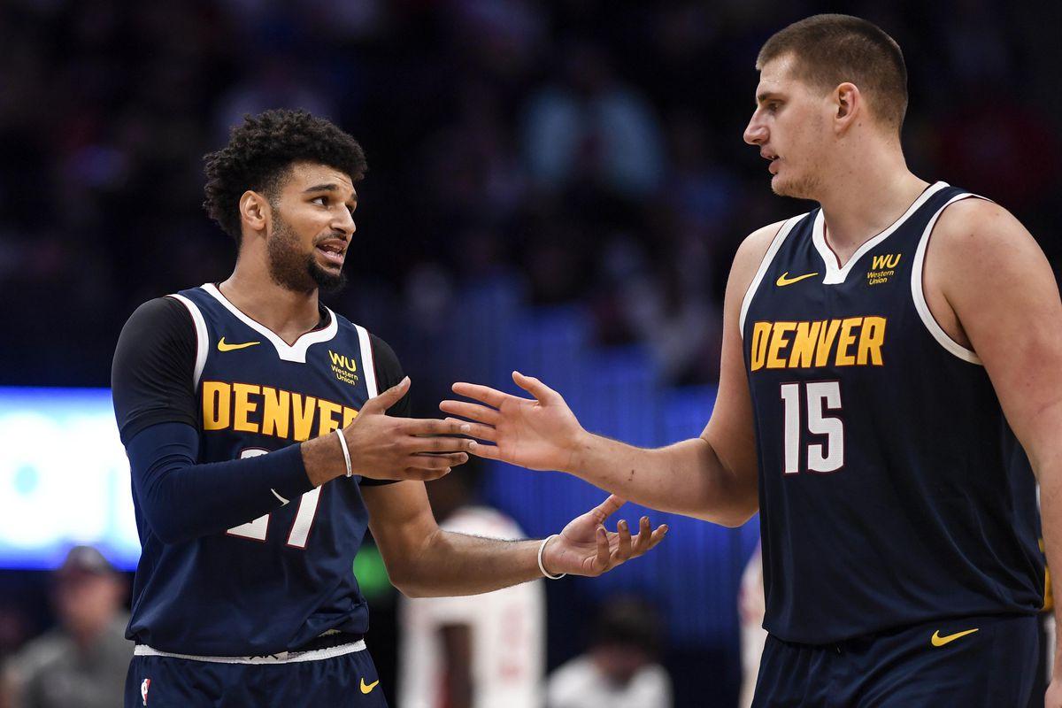 Jokic e Murray in azione coi Nuggets
