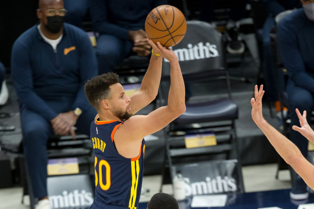 Stephen Curry contro gli Utah Jazz