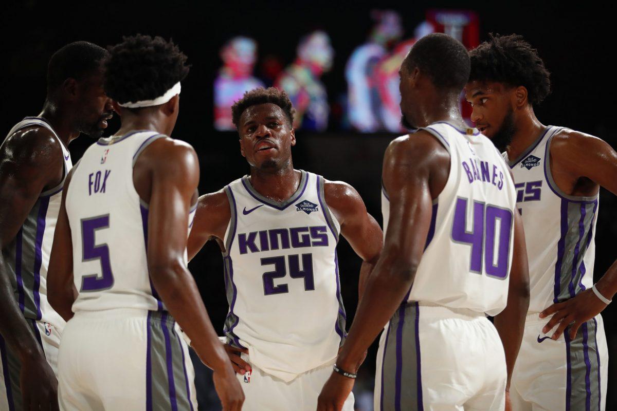 Il quintetto dei Kings nel pre partita