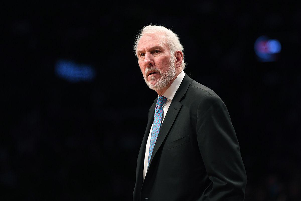 Gregg Popovich sulla panchina degli Spurs