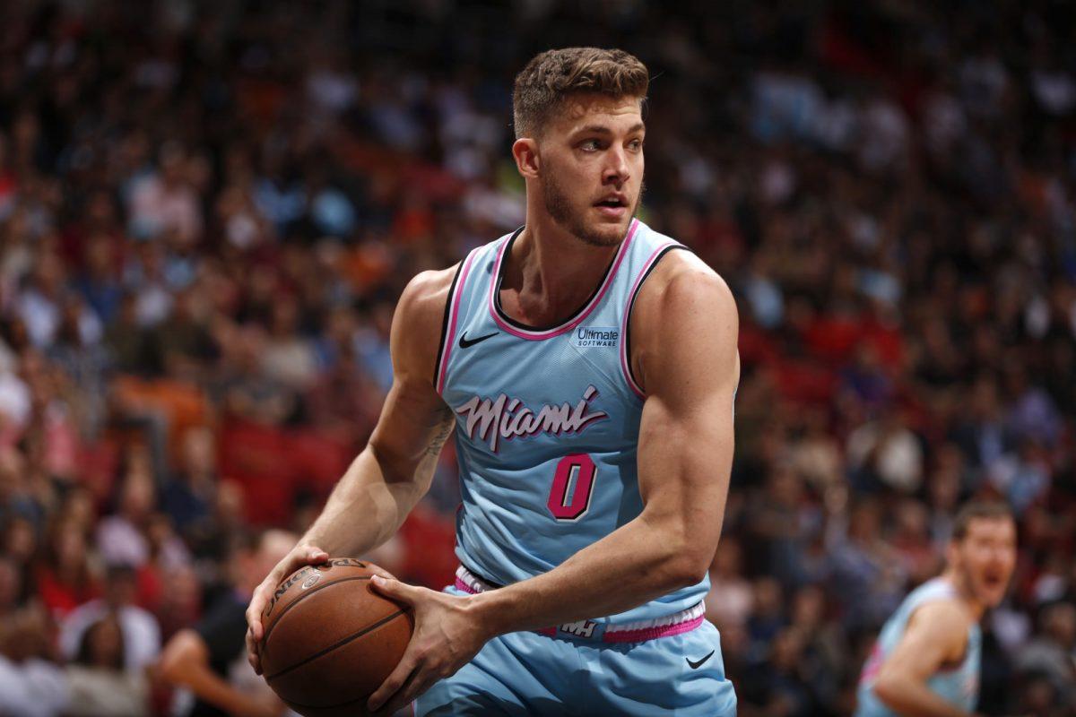 Meyers Leonard in maglia Heat