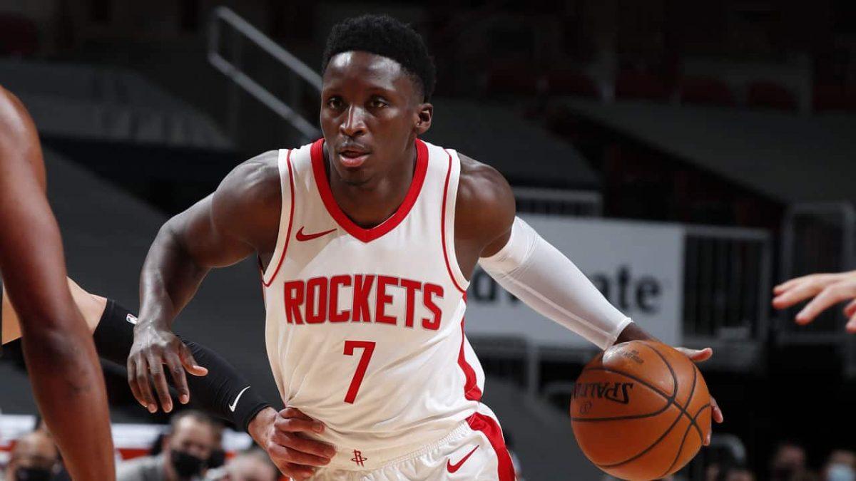 Oladipo in azione con i Rockets
