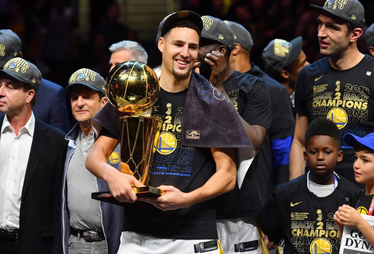 Klay Thompson festeggia il titolo con i Warriors