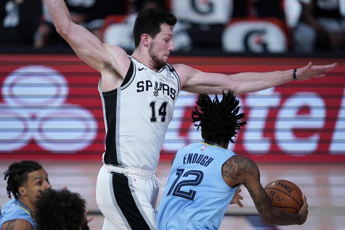 Drew Eubanks in maglia Spurs