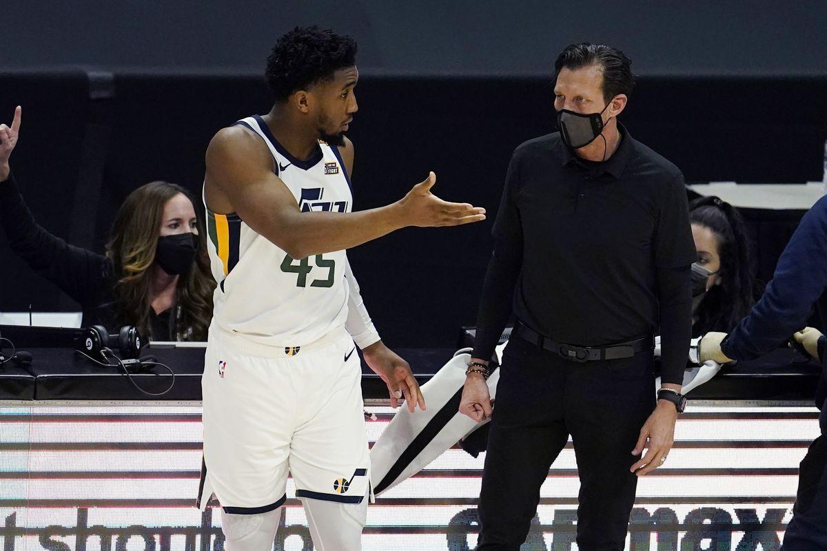 Donovan Mitchell con coach Quinn Snyder