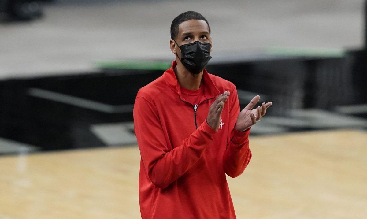 Stephen Silas in veste di coach degli Houston Rockets