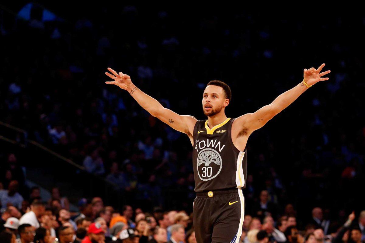 Curry esulta dopo l'ennesima tripla