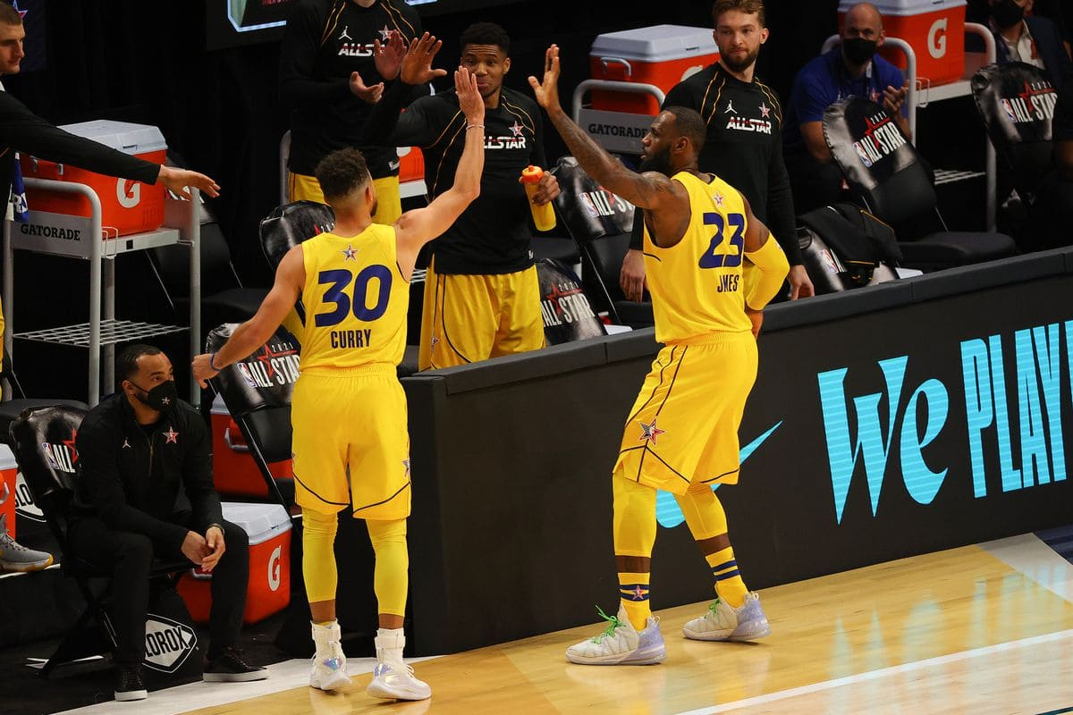 Stephen Curry e LeBron James all'All Star Game 2021