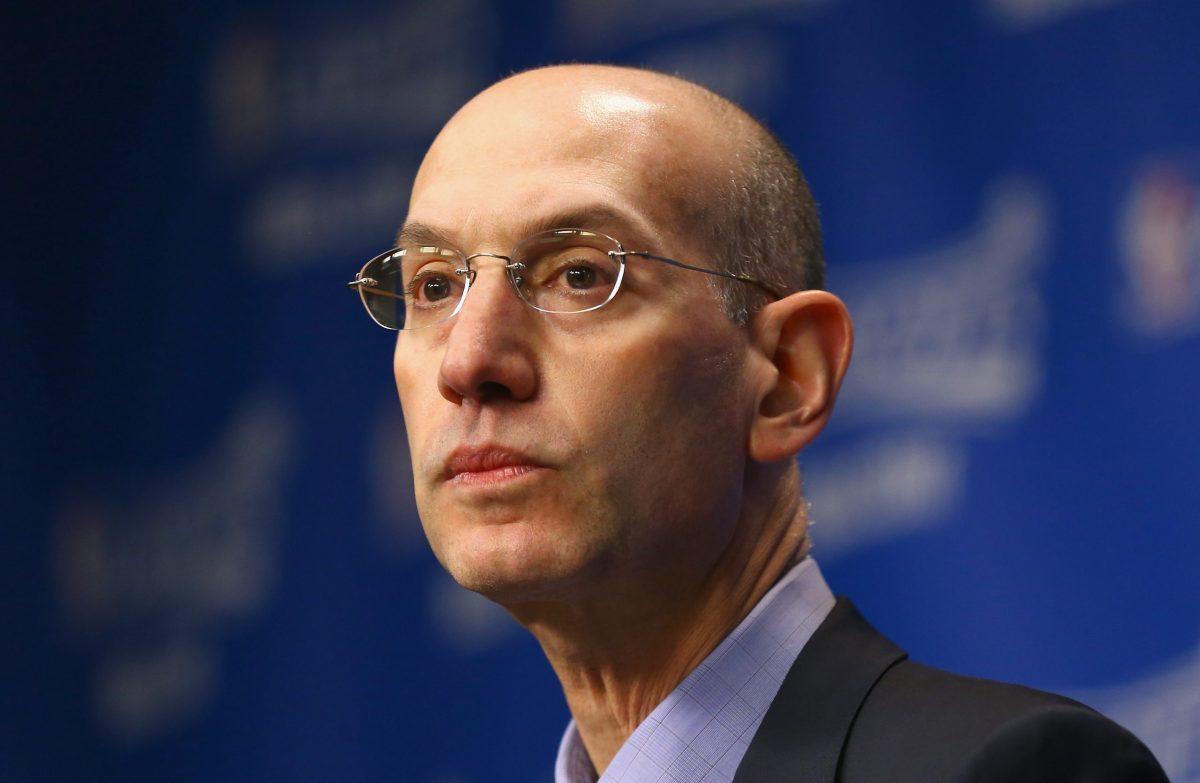 Adam Silver durante una conferenza stampa