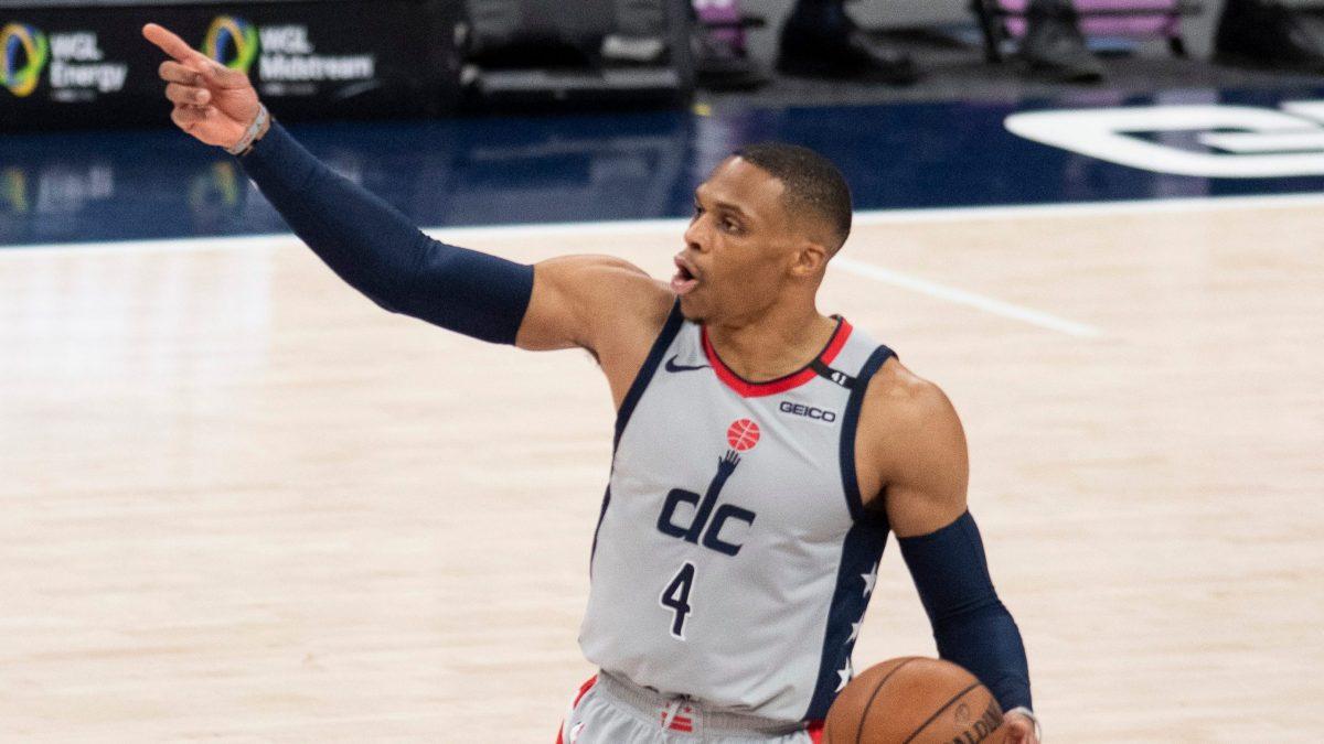 Russelll Westbrook chiama un gioco dei Wizards