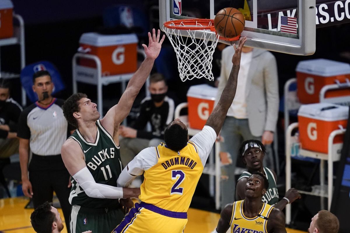Andre Drummond con la maglia dei Lakers