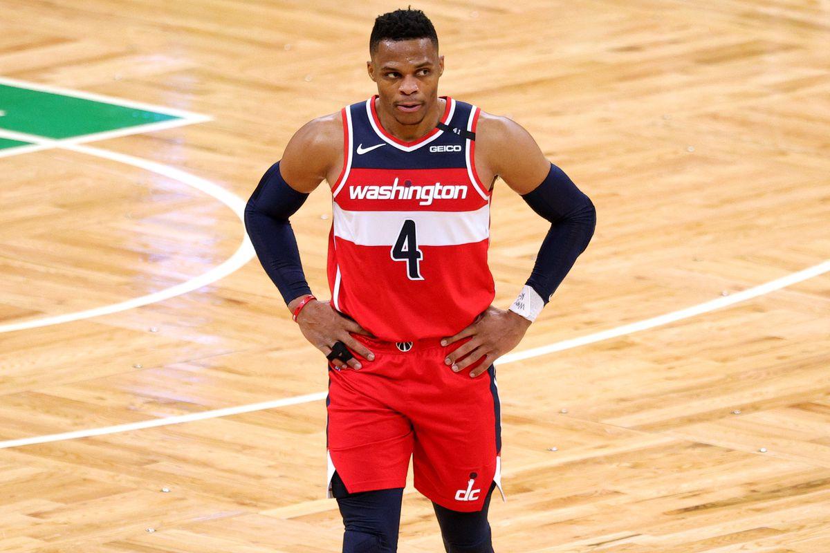 Westbrook in azione con gli Wizards